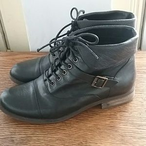 Steve Madden lace-up leather boots size 8